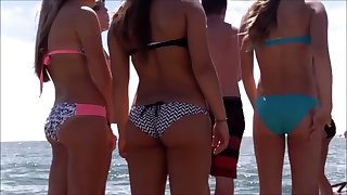 voyeur teen candid with tight butt in bikini