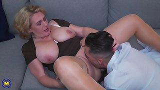 pawg mature mom gets anal sex from boy